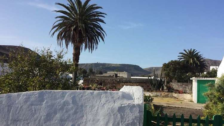 CANARY ISLAND STYLE house for sale in Maguez, Haria, with big GARDENS, COUNTRY VIEWS and PARKINGS