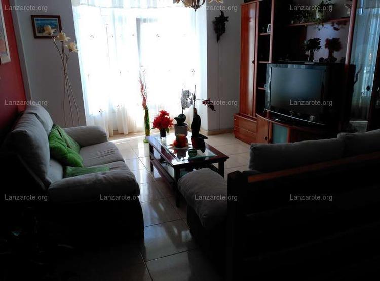Lanzarote triplex in arrecife maneje 3 camere da letto for Casa con 3 camere da letto e garage