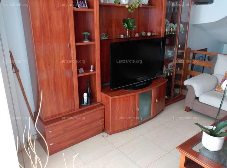 Lanzarote triplex in arrecife maneje 3 camere da letto for Piani casa 3 camere da letto e garage doppio