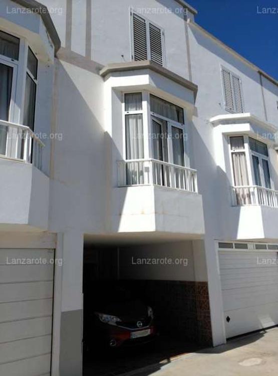 Lanzarote triplex in arrecife maneje 3 camere da letto for Piani di costruzione triplex