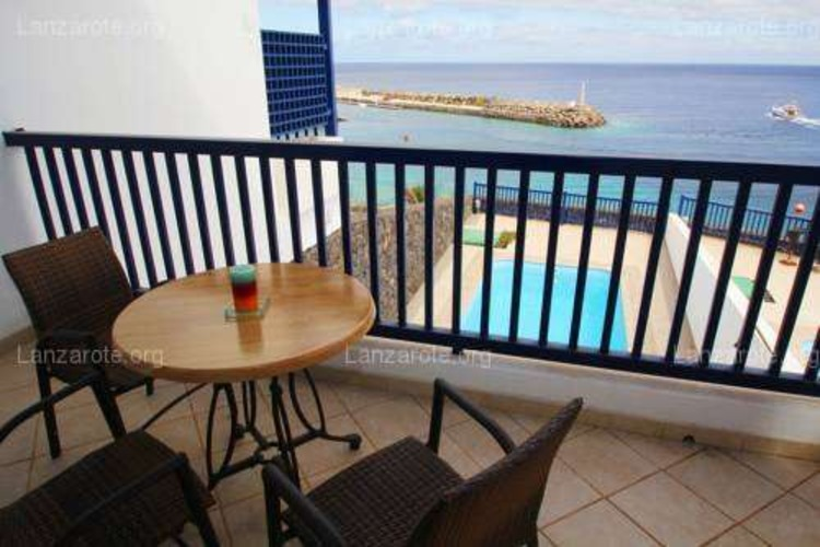 Triplex FRONTLINE Puerto Calero with POOL and spectacular VIEWS